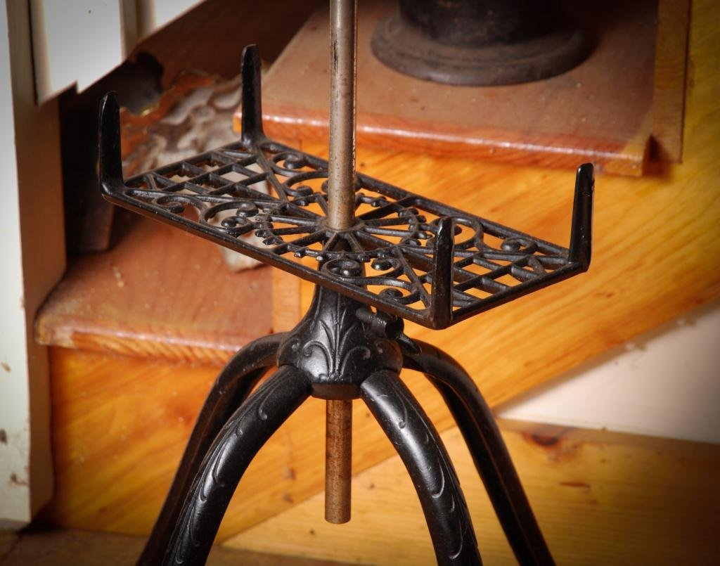1915 Adjustable Cast Iron and Oak Book Stand - 2