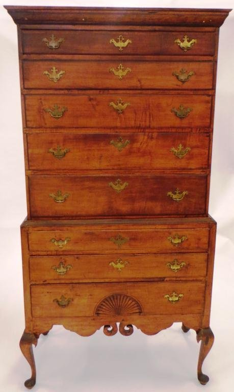 (18th c) QUEEN ANNE FIGURED MAPLE DUNLAP CHEST-ON-CHEST