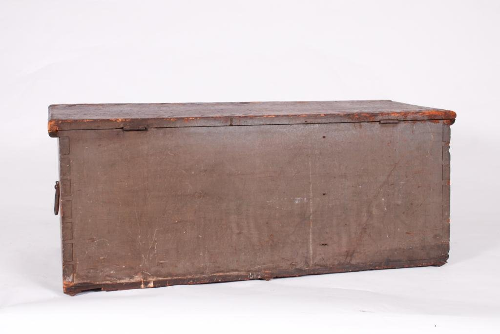 (19th c) SEAMAN'S SIX BOARD DOVETAILED CHEST - 3
