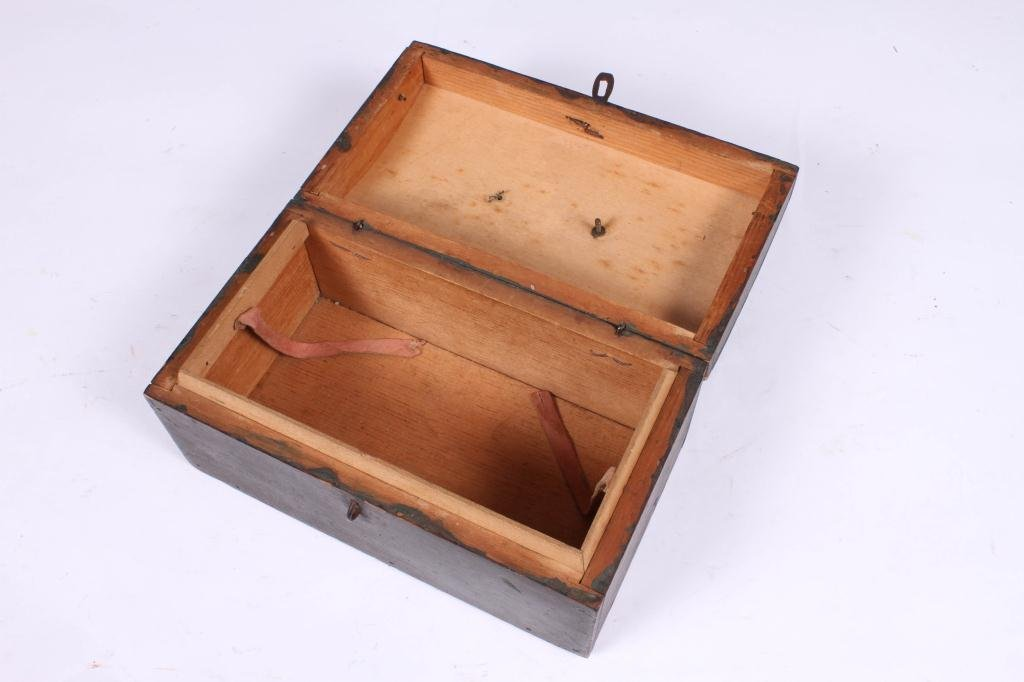 (18th c) DOME TOP DOCUMENT BOX IN GREEN PAINT - 4