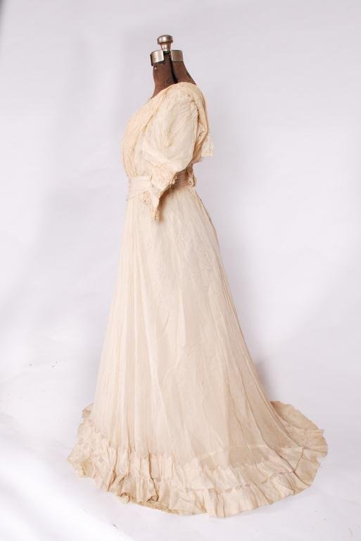 (19th/20th c) TWO PIECE SILK EDWARDIAN DRESS - 2