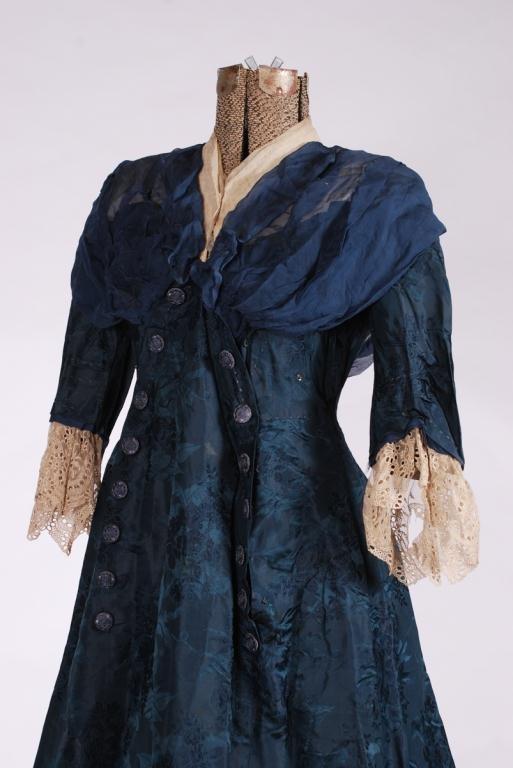 (19th/20th c) SILK DRESS w/ FLORAL DAMASK BROCADE - 4