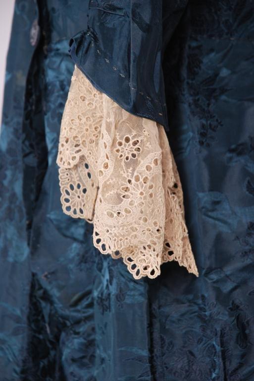 (19th/20th c) SILK DRESS w/ FLORAL DAMASK BROCADE - 6