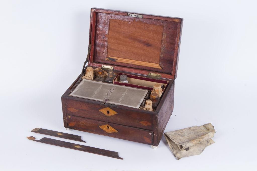 (19th c) INLAID MAHOGANY ARTIST BOX