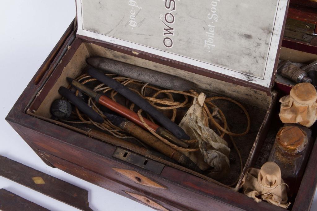 (19th c) INLAID MAHOGANY ARTIST BOX - 5