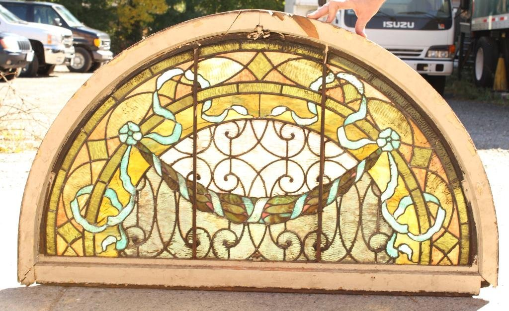 EARLY STAINED GLASS LUNETTE - 4