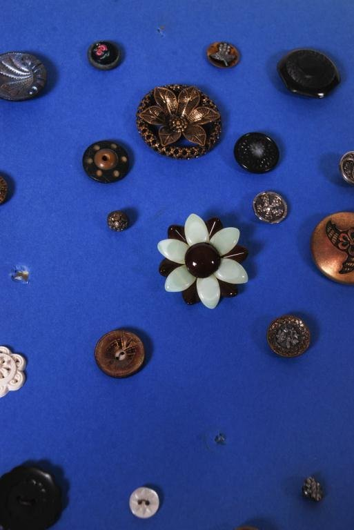 EXTENSIVE COLLECTION OF BUTTONS - 6
