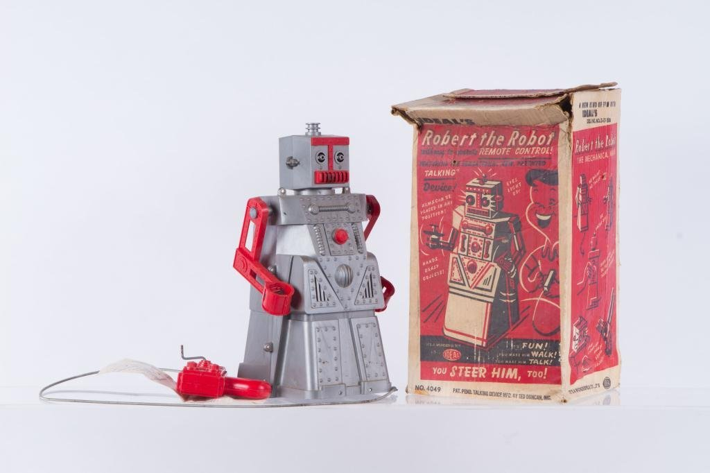 IDEAL'S ROBERT the TALKING ROBOT VINTAGE TOY