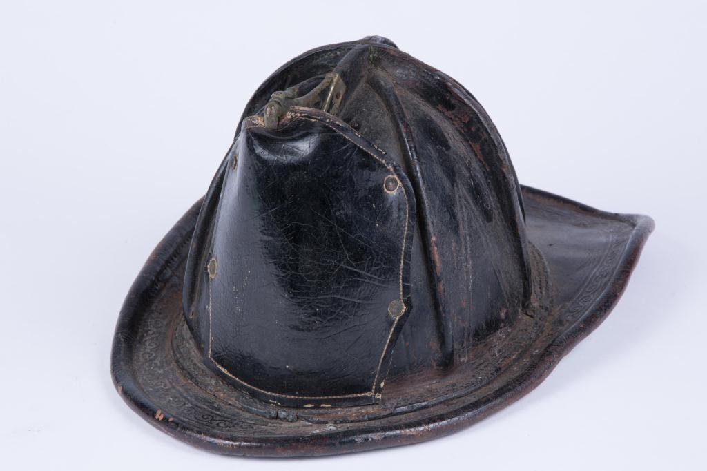 EARLY (20th c) LEATHER FIREFIGHTER'S HELMUT