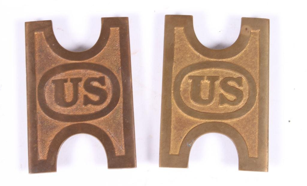 (2) US ARMY BELT PLATES AND A BRITISH ARMY BUCKLE - 4