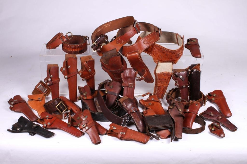 WESTERN LEATHER BELTS AND HOLSTERS ETC