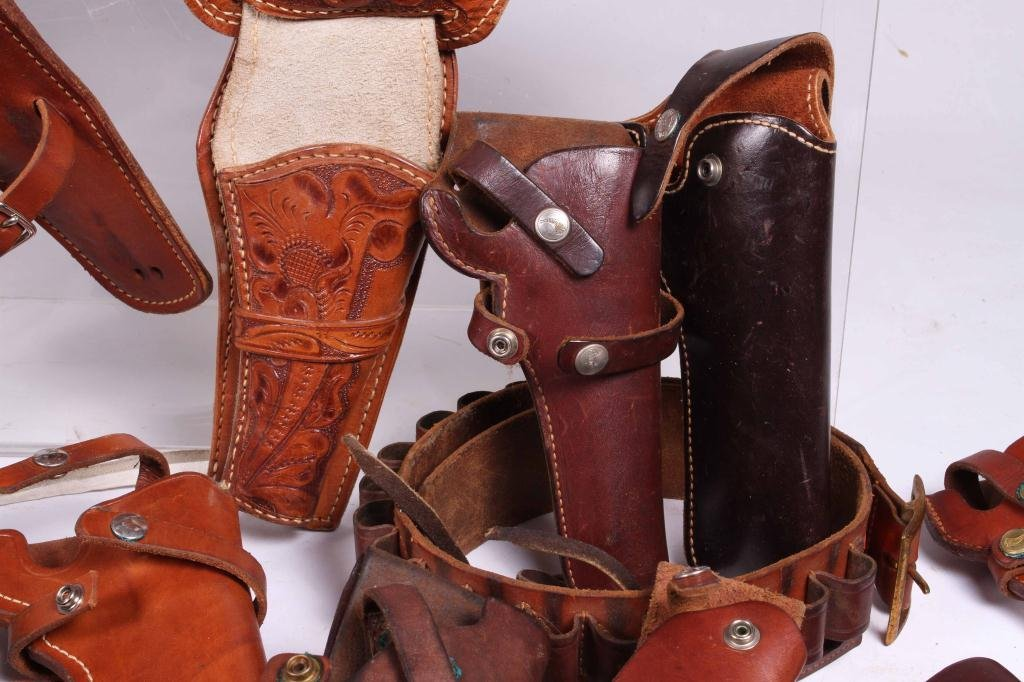 WESTERN LEATHER BELTS AND HOLSTERS ETC - 5