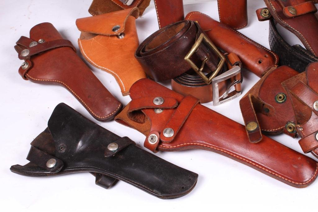 WESTERN LEATHER BELTS AND HOLSTERS ETC - 6
