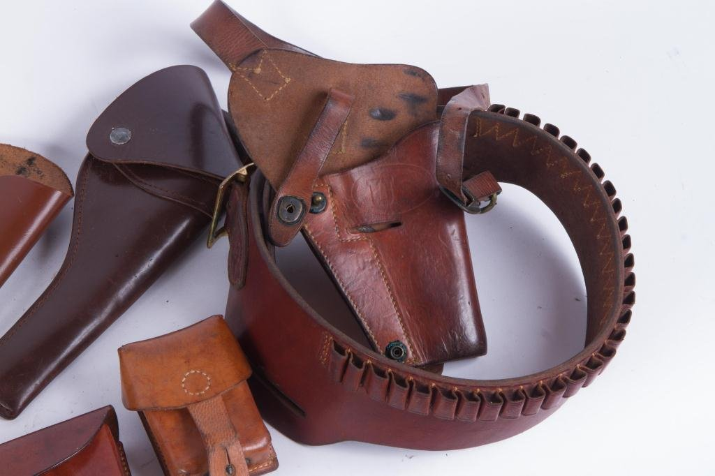 (4) US LEATHER HOLSTERS, CARTRIDGE etc. - 4