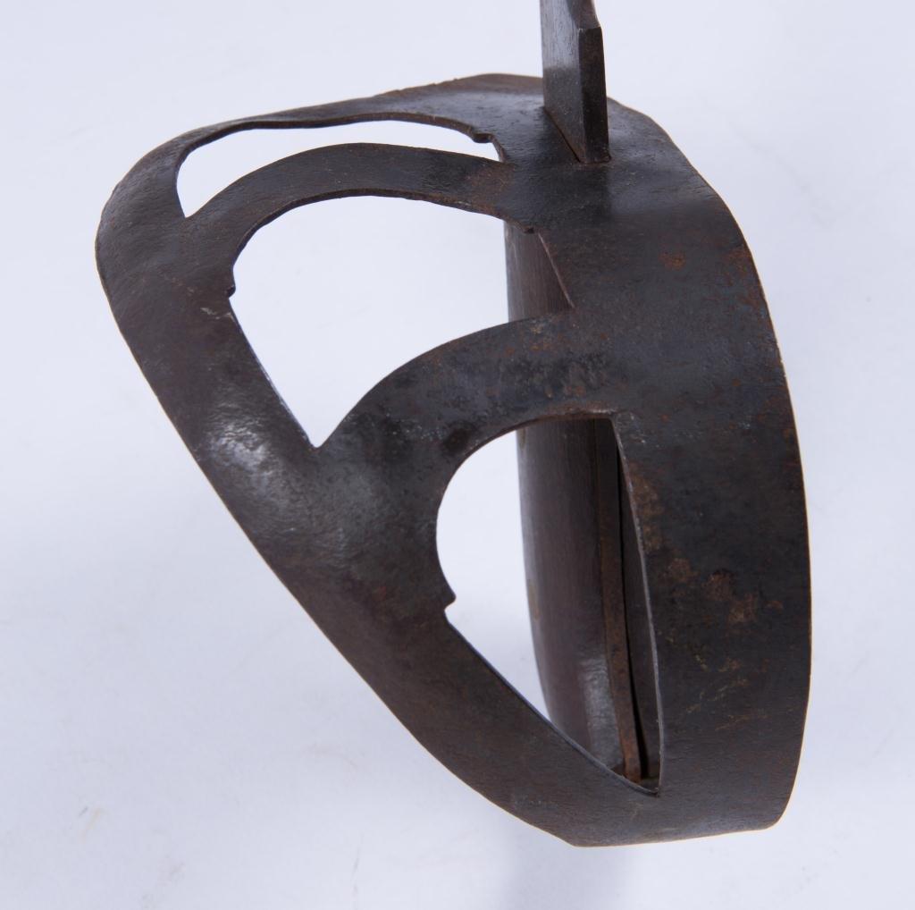 BOER WAR ERA HANGER SWORD WITH CLIP POINT - 4