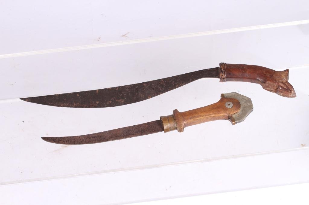 (2) ANTIQUE SOUTH PACIFIC / ASIAN KNIVES
