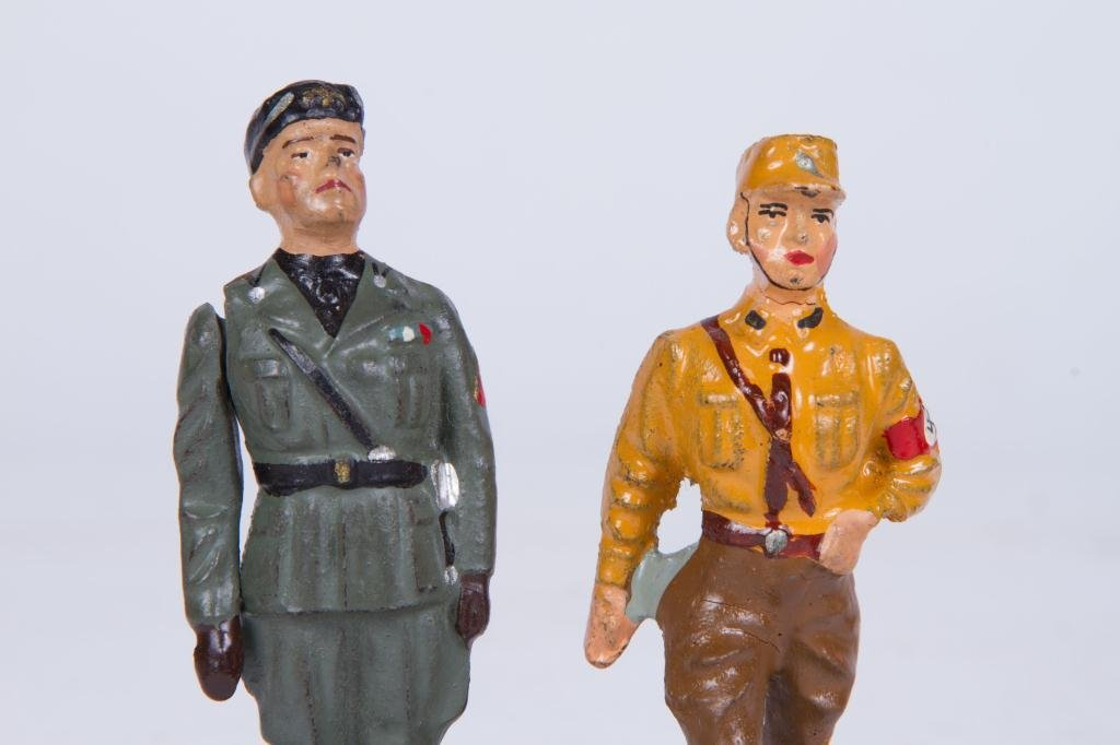 (4) LINEOL ELASTOLIN TOY SOLDIER FIGURINES - 10