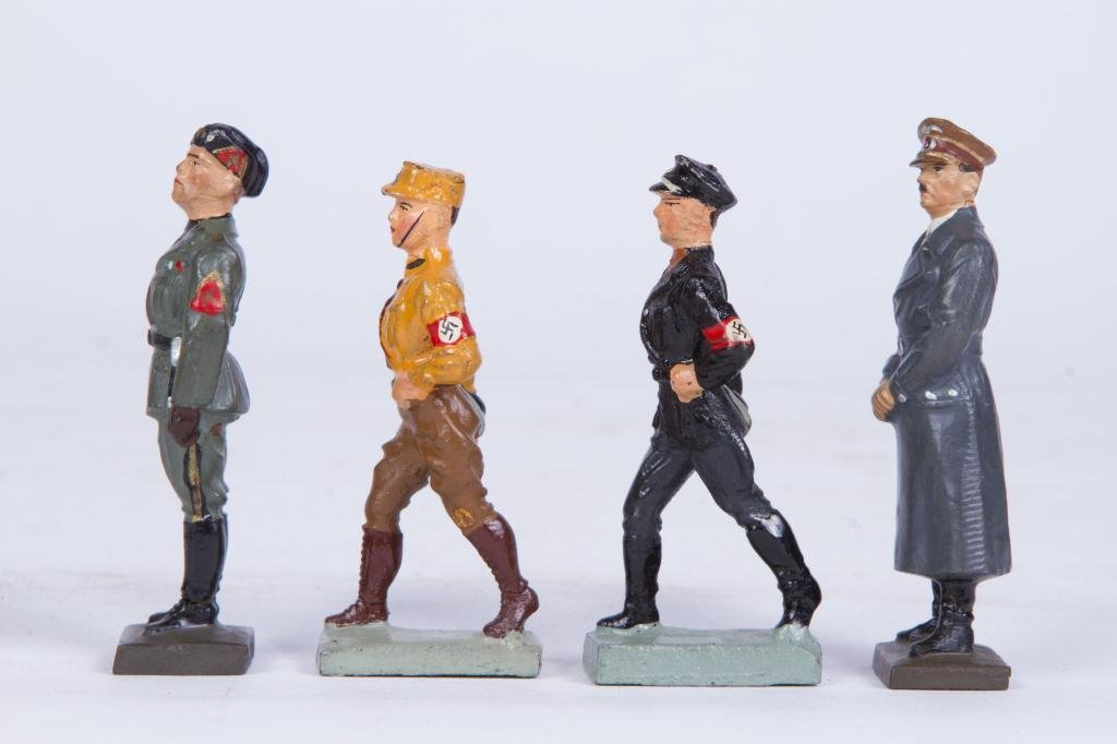 (4) LINEOL ELASTOLIN TOY SOLDIER FIGURINES
