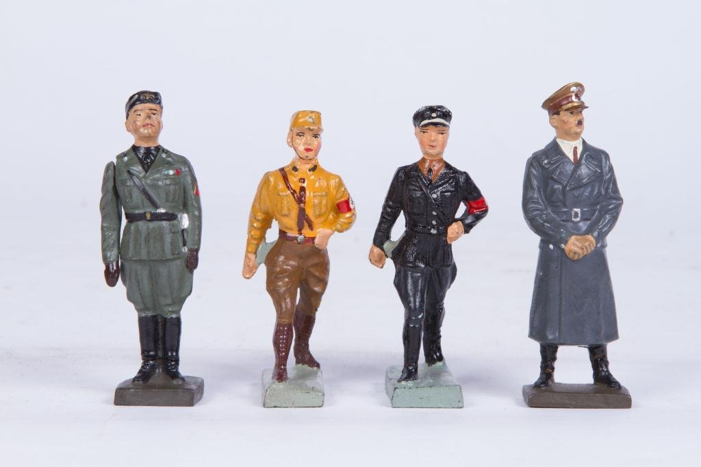 (4) LINEOL ELASTOLIN TOY SOLDIER FIGURINES - 8