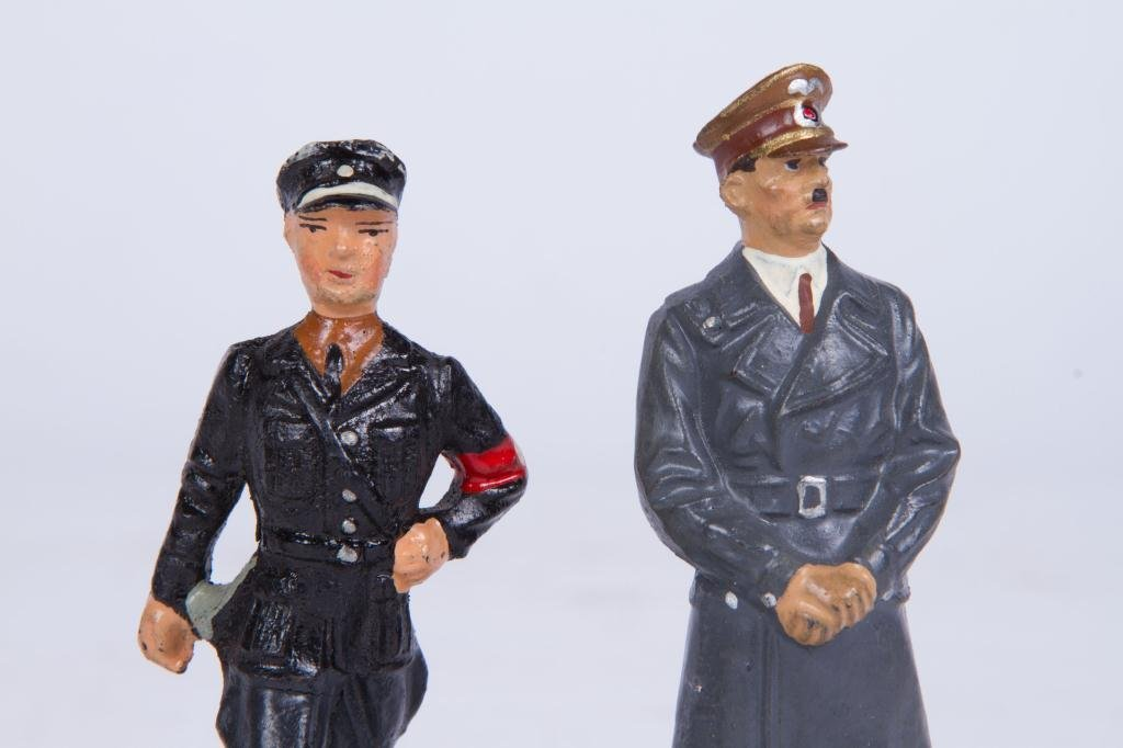 (4) LINEOL ELASTOLIN TOY SOLDIER FIGURINES - 9