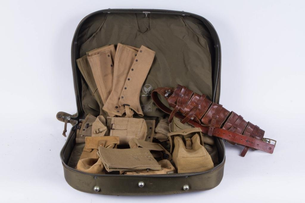 NYLON US ARMED FORCES CASE WITH CONTENTS