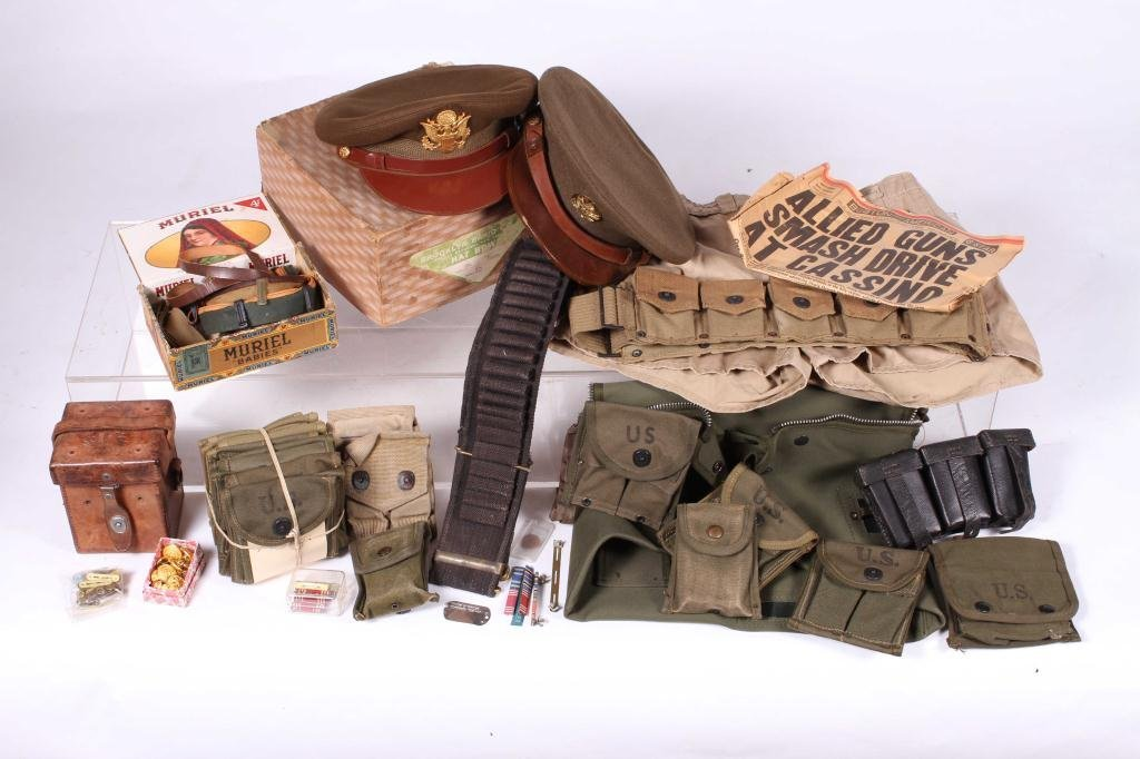 US MILITARY COVERS, POUCHES, BELTS AND RIBBONS