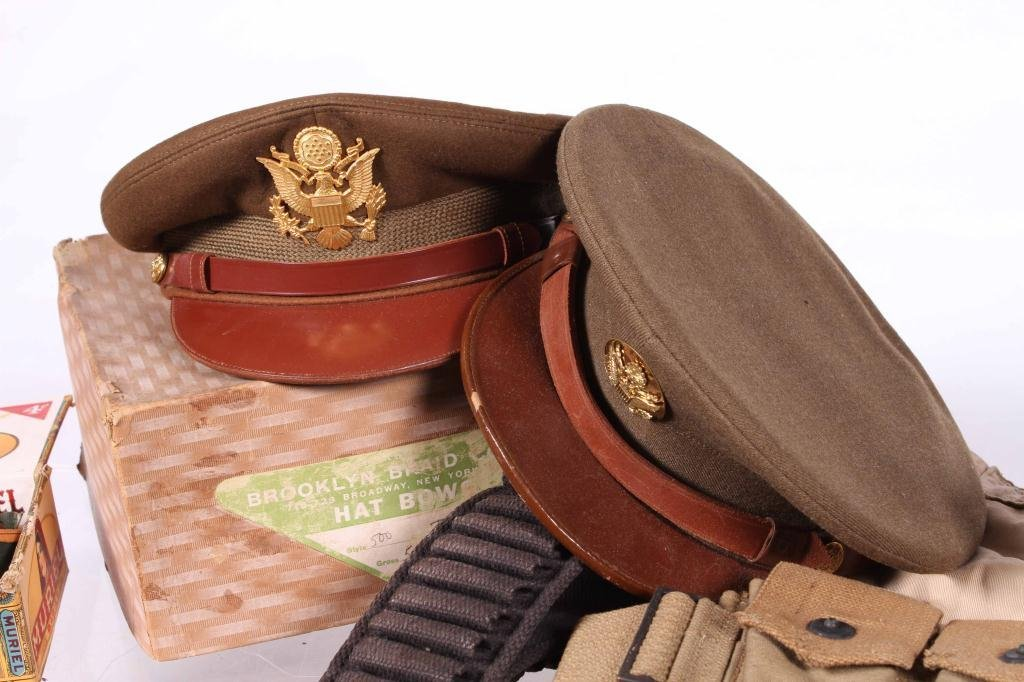 US MILITARY COVERS, POUCHES, BELTS AND RIBBONS - 3