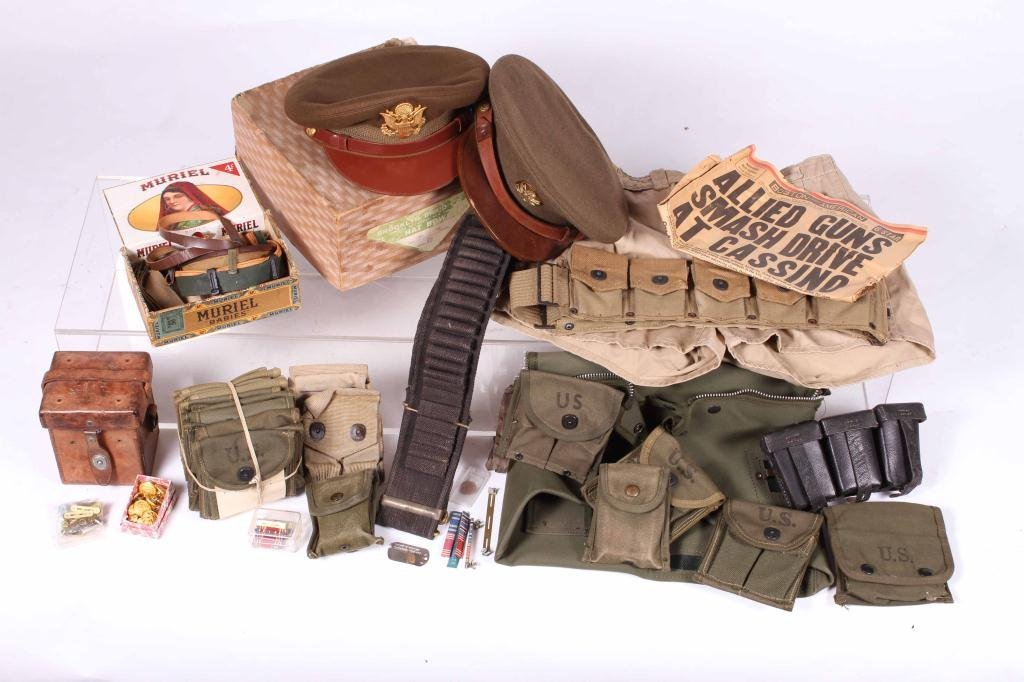 US MILITARY COVERS, POUCHES, BELTS AND RIBBONS - 5