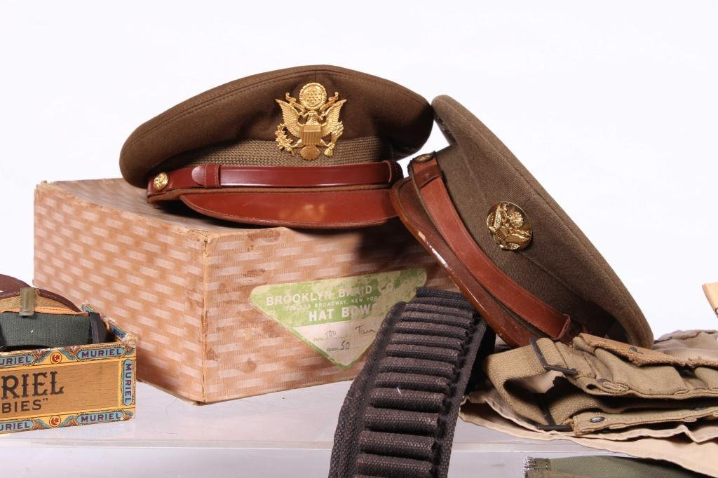 US MILITARY COVERS, POUCHES, BELTS AND RIBBONS - 6