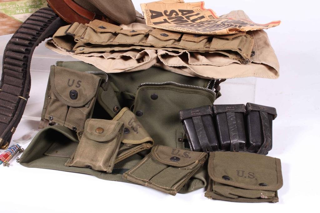 US MILITARY COVERS, POUCHES, BELTS AND RIBBONS - 8