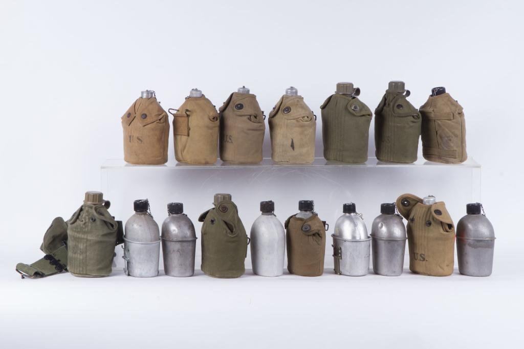(17) US ARMY CANTEENS