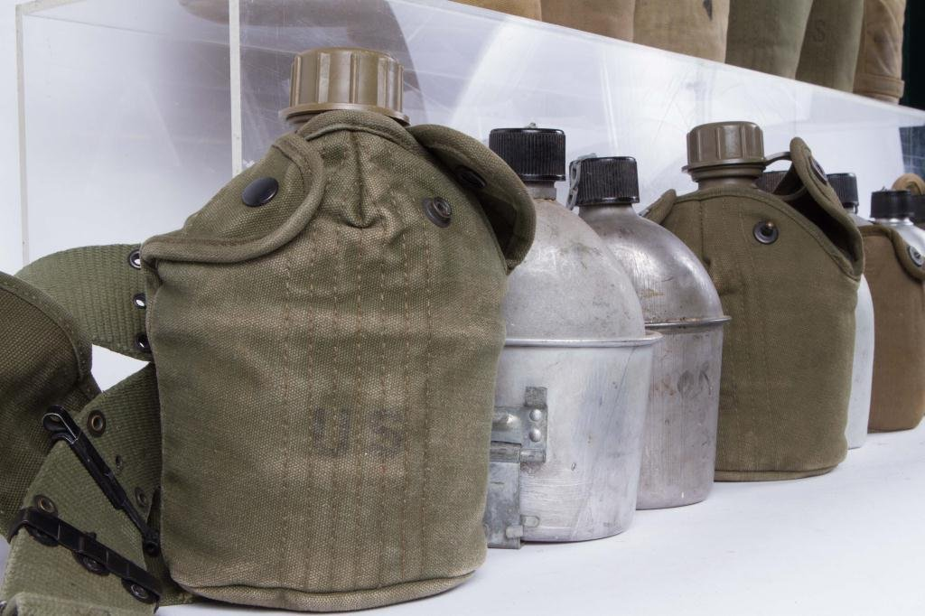(17) US ARMY CANTEENS - 2