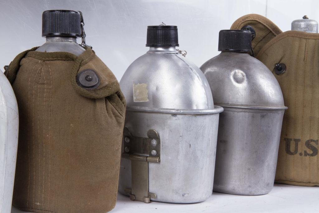 (17) US ARMY CANTEENS - 3