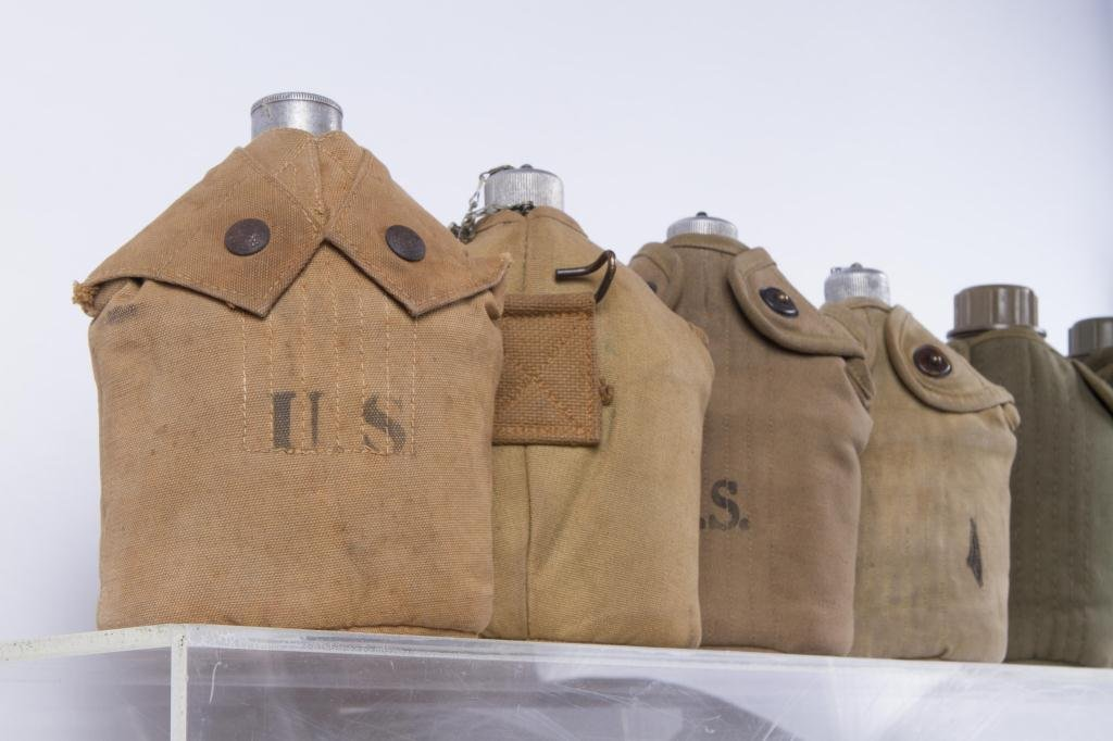 (17) US ARMY CANTEENS - 4
