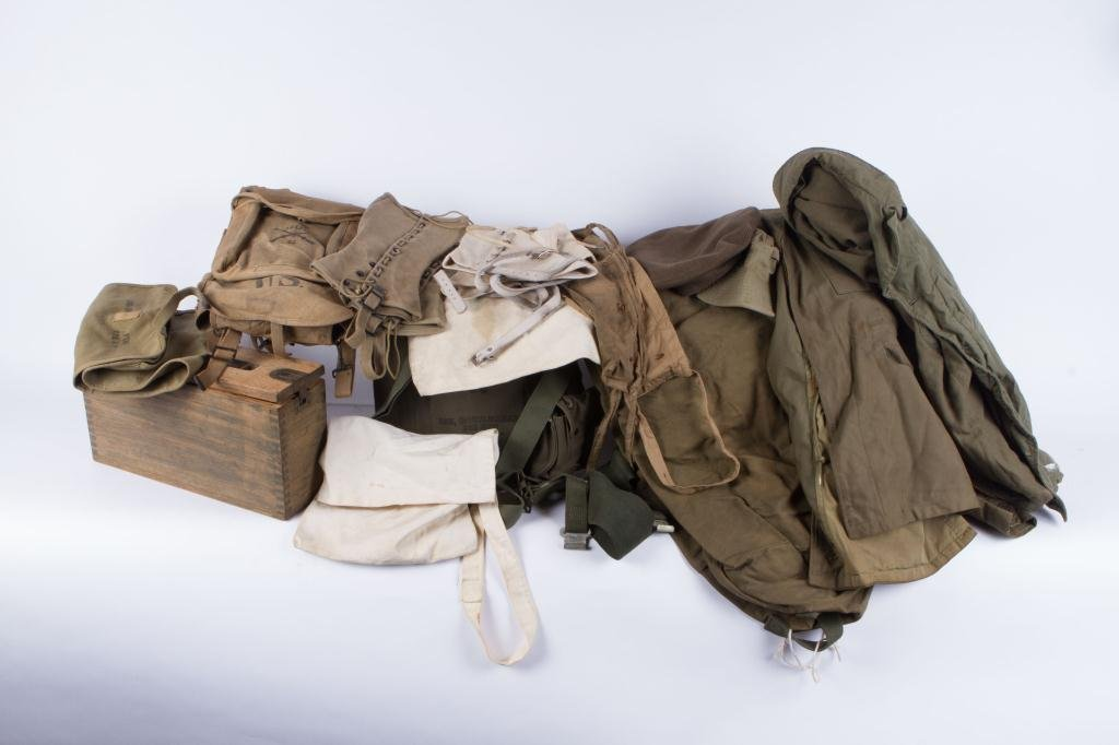 WWI to VIETNAM MILITARY CLOTHING & ACCESSORIES