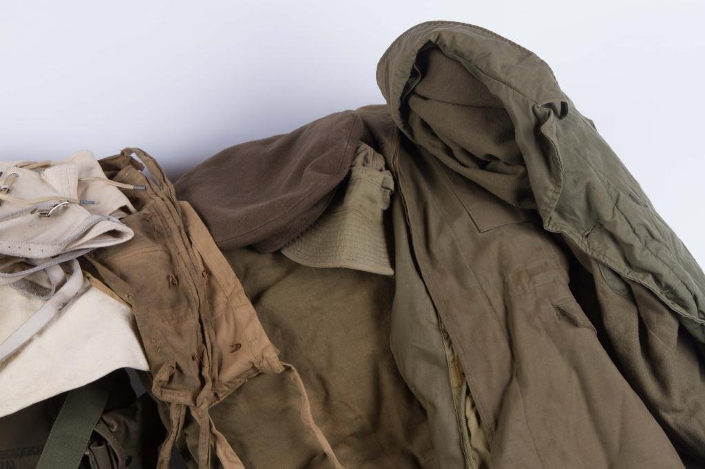 WWI to VIETNAM MILITARY CLOTHING & ACCESSORIES - 3