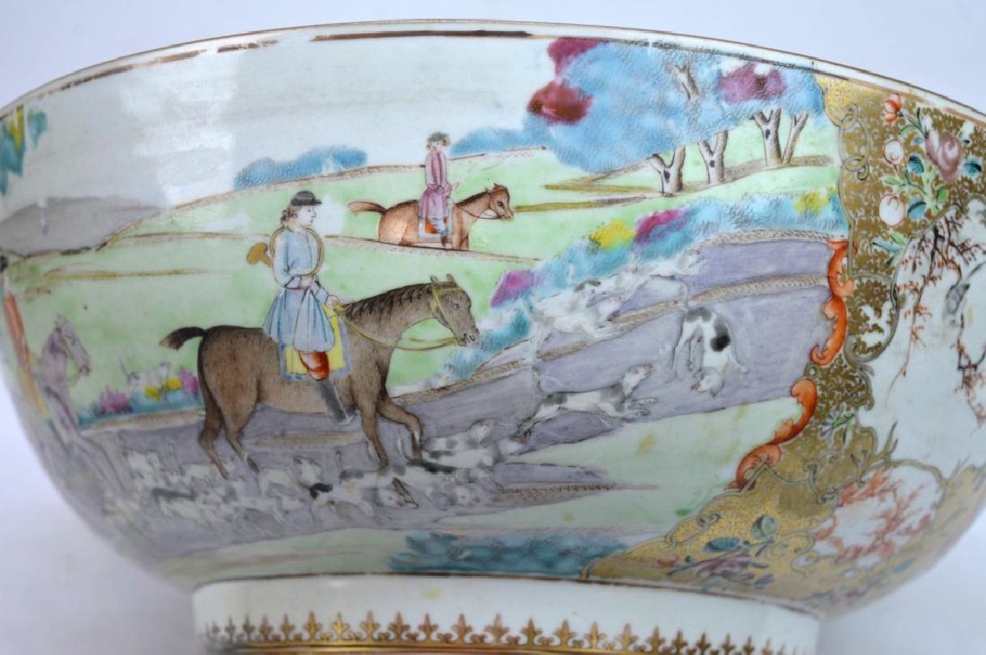 "Lg 18th C Chinese Porcelain ""Fox Hunt"" Punch Bowl - 2"
