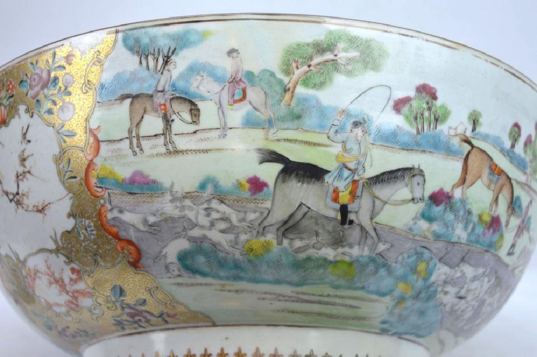 "Lg 18th C Chinese Porcelain ""Fox Hunt"" Punch Bowl - 4"