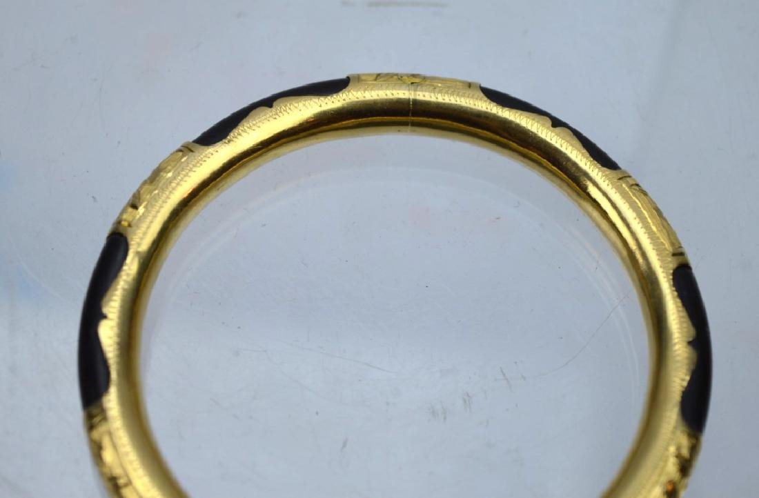 Chinese Black Coral and 18K Gold Hinged Bangle - 3