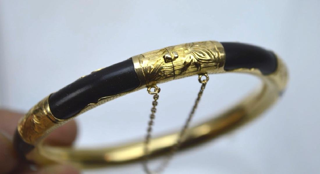 Chinese Black Coral and 18K Gold Hinged Bangle - 4
