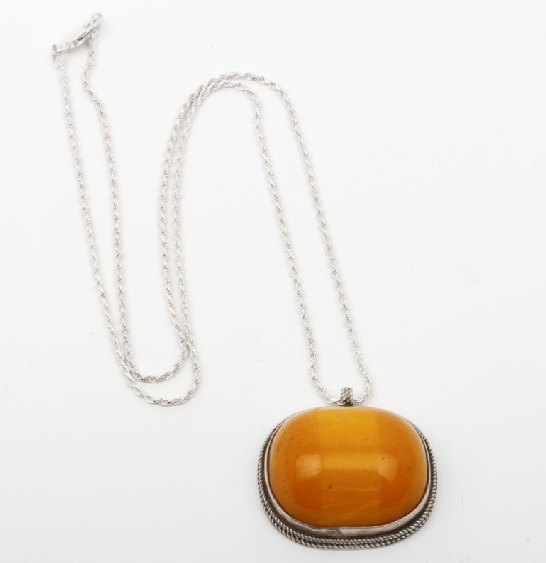 Vintage Sterling Silver & Amber Pendant & Chain