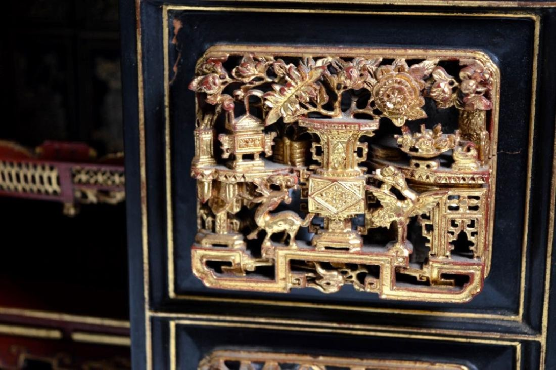 Chinese Canton Gold Lacquer Small Cabinet - 7