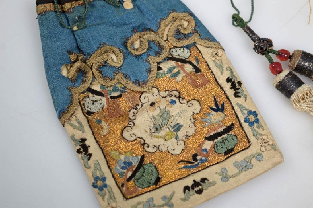 Fine 18th/19th C Chinese Embroidered Silk Purse - 2