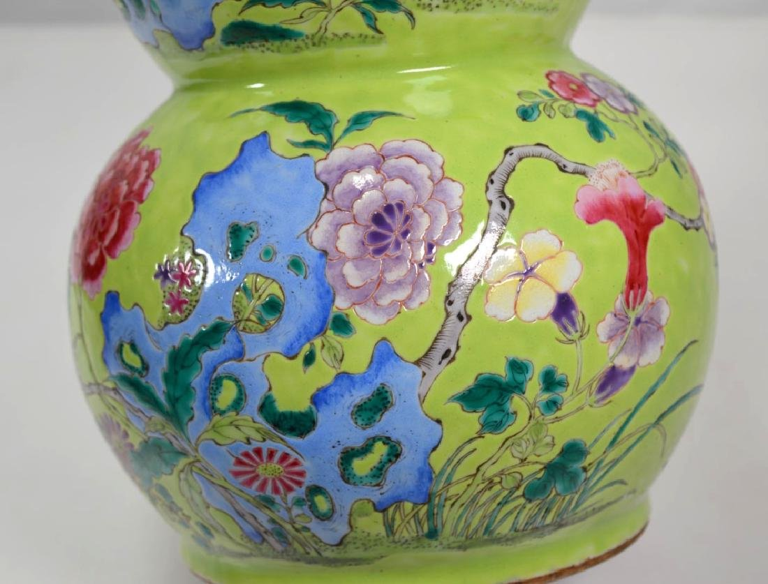 19th Century Chinese Porcelain Triple Gourd Vase - 6