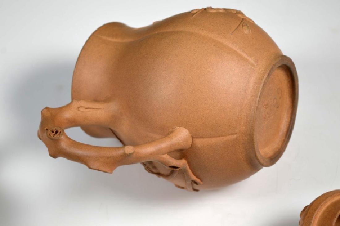 Kai Zheng Chinese Yixing Ceramic Teapot & Cover - 10