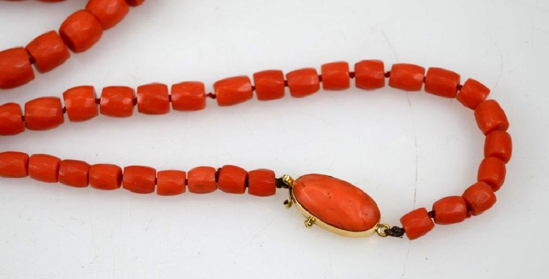 Antique Coral Bead Necklace, 18K Closure; 53.8G - 4