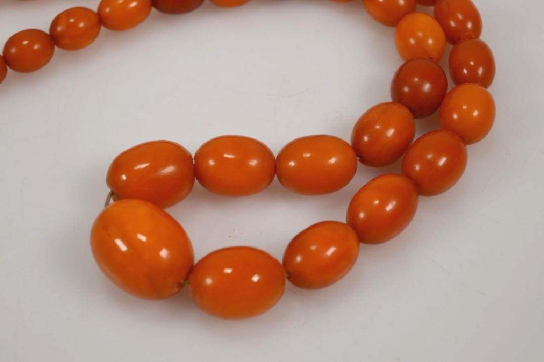 Butterscotch Amber Bead Necklace; 61 Grams. - 2