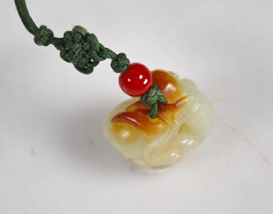 Antique Chinese Carved Jade Pebble Monkey & Peach - 5