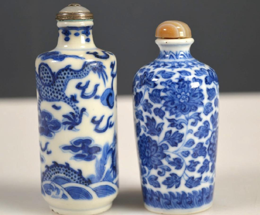 Two 19th C Chinese Blue &White Porcelain Snuffs - 3