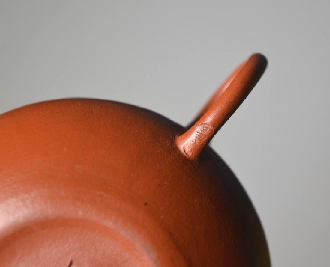Fine Chinese Qing Dynasty Small Yixing Teapot - 5